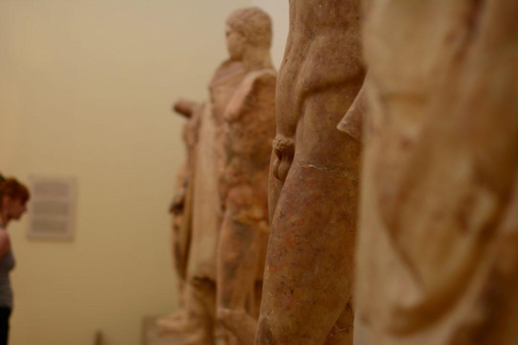 greckie posągi nagie