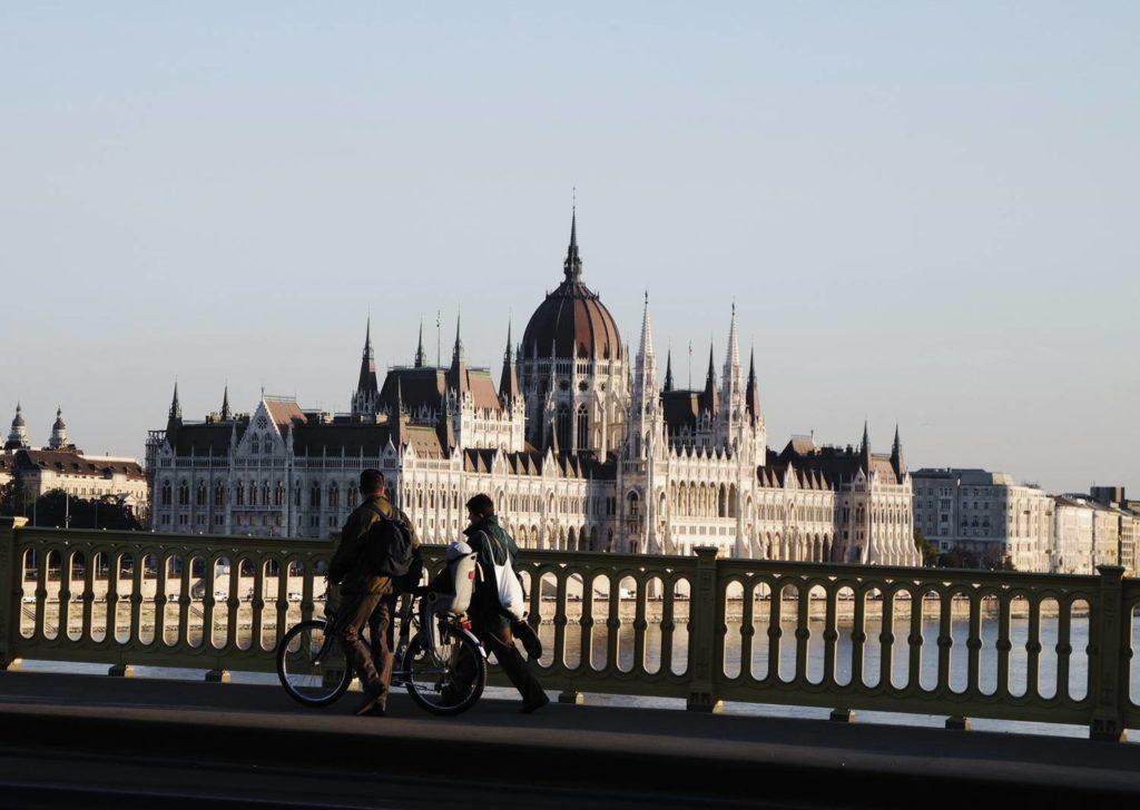 parlament budapeszt atrakcje budapesztu przewodnik po budapeszcie