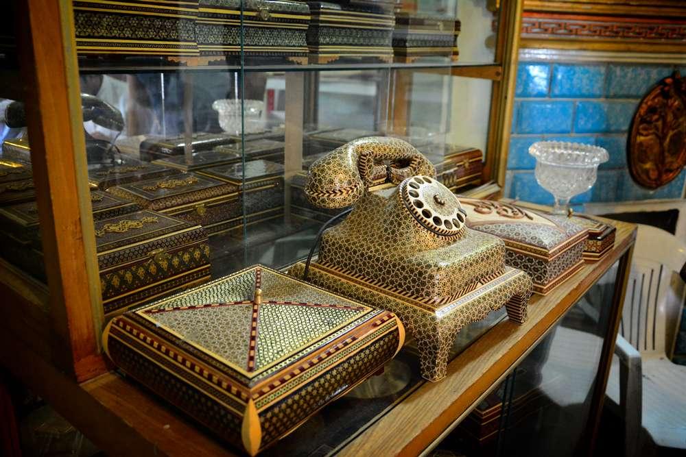 ręcznie wykonane przedmioty z iranu telefon