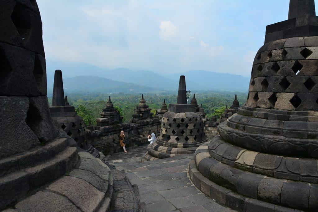 borobudur swiatynia buddyjska w indonezji