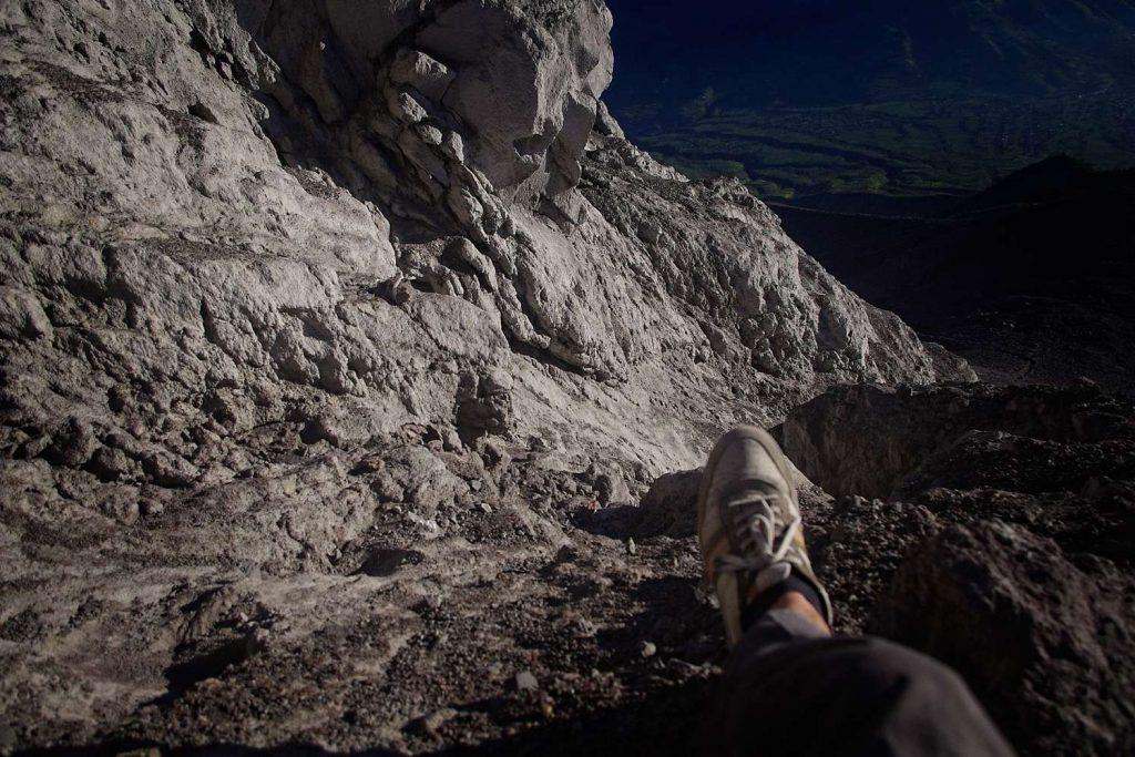 Widok ze szczytu Merapi trekking na wulkan