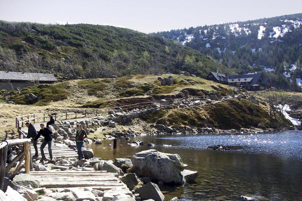 karkonosze schronisko samotnia góry dolny slask
