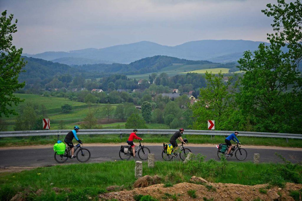 dolny slask z rowerem trasy rowerowe na dolnym slasku chełmy dolina bobru ruday janowickie na rowerze miedzianka rowerem