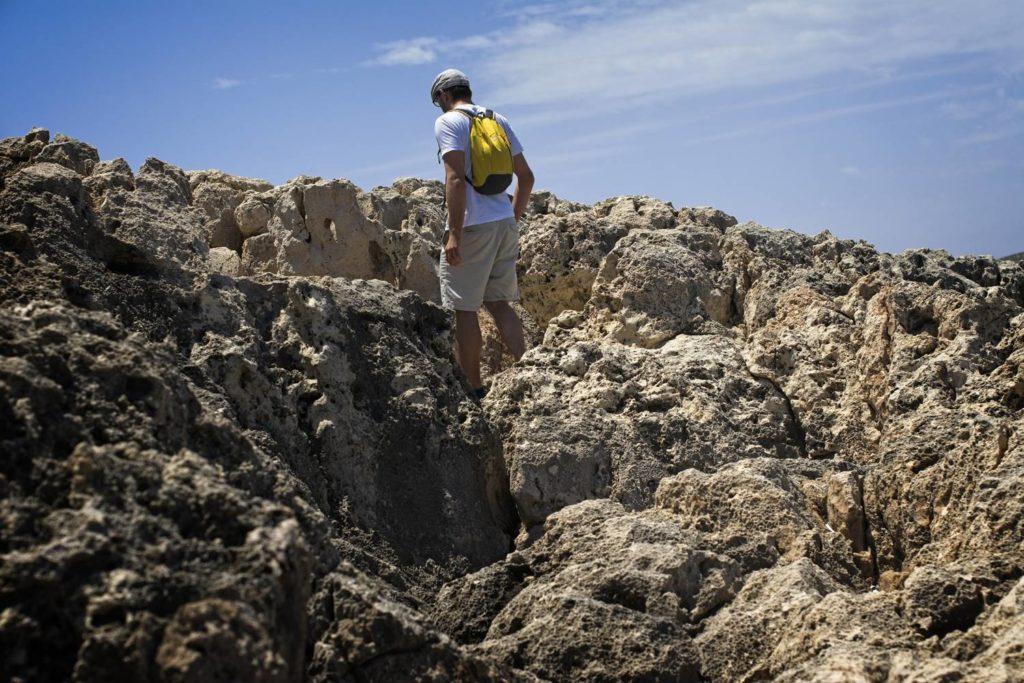 ostre skaly na malcie ksiezycowy krajobraz coral lagoon malta
