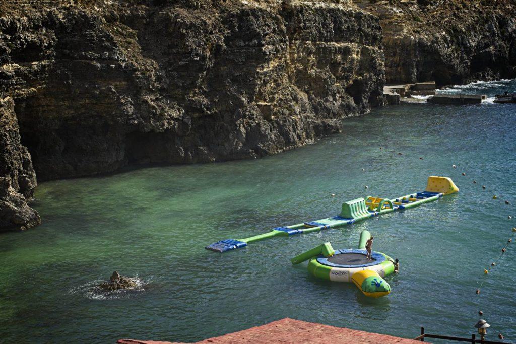 wioska popaja zatoka gdzie na plaze na malcie wakacje na malcie