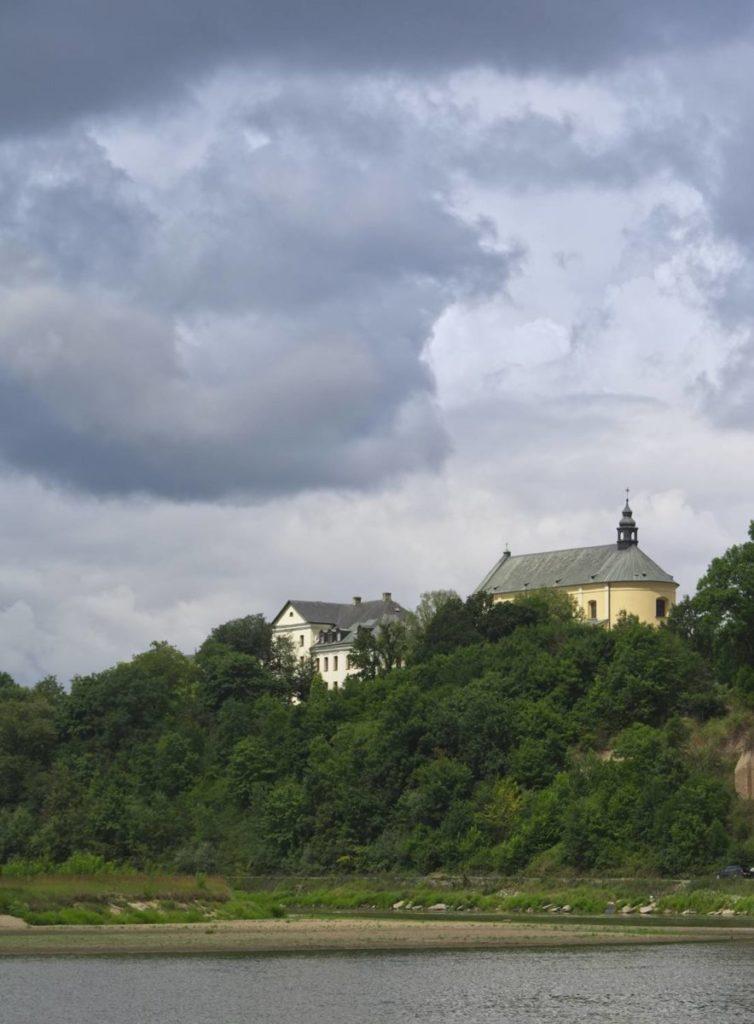 klasztor w drohiczynie gora zamkowa podlasie miasta nad bugiem atrakcje turystyczne nad bugiem
