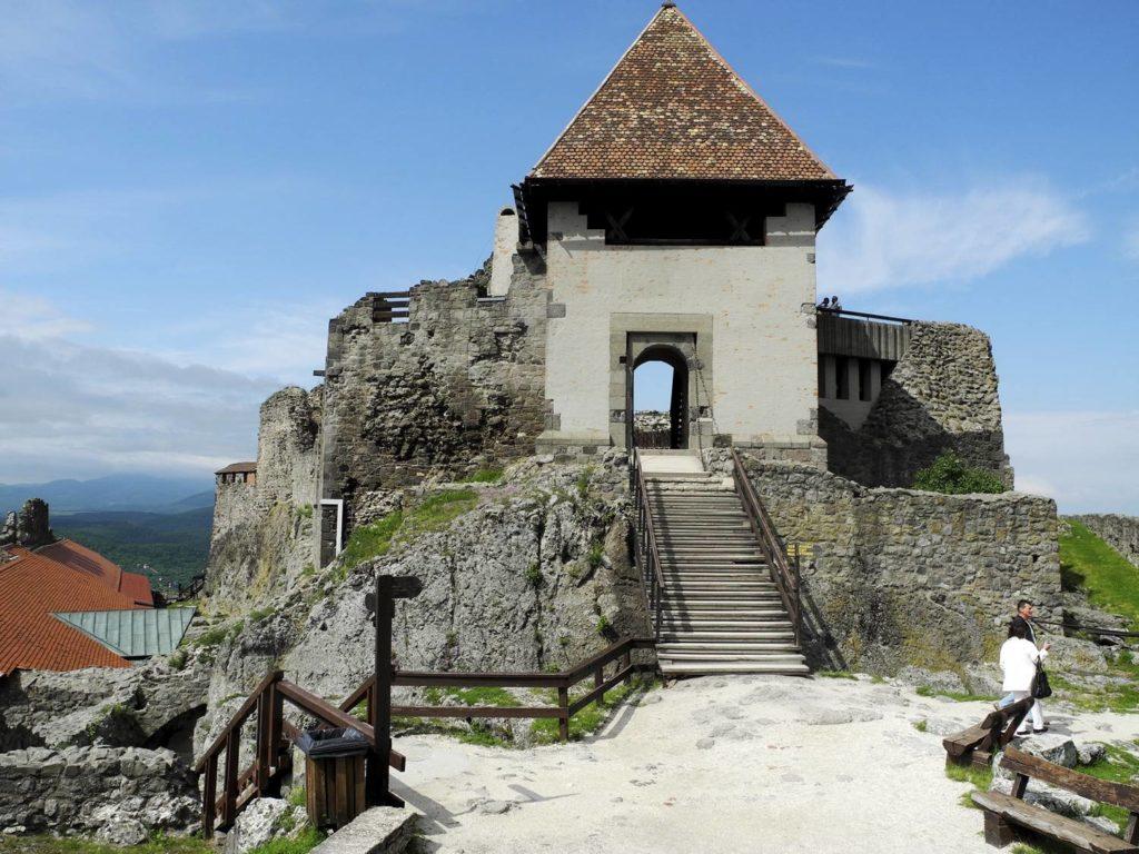 zamek w wyszehradzie wyszehrad wycieczka wokol budapesztu zamki na wegrzech