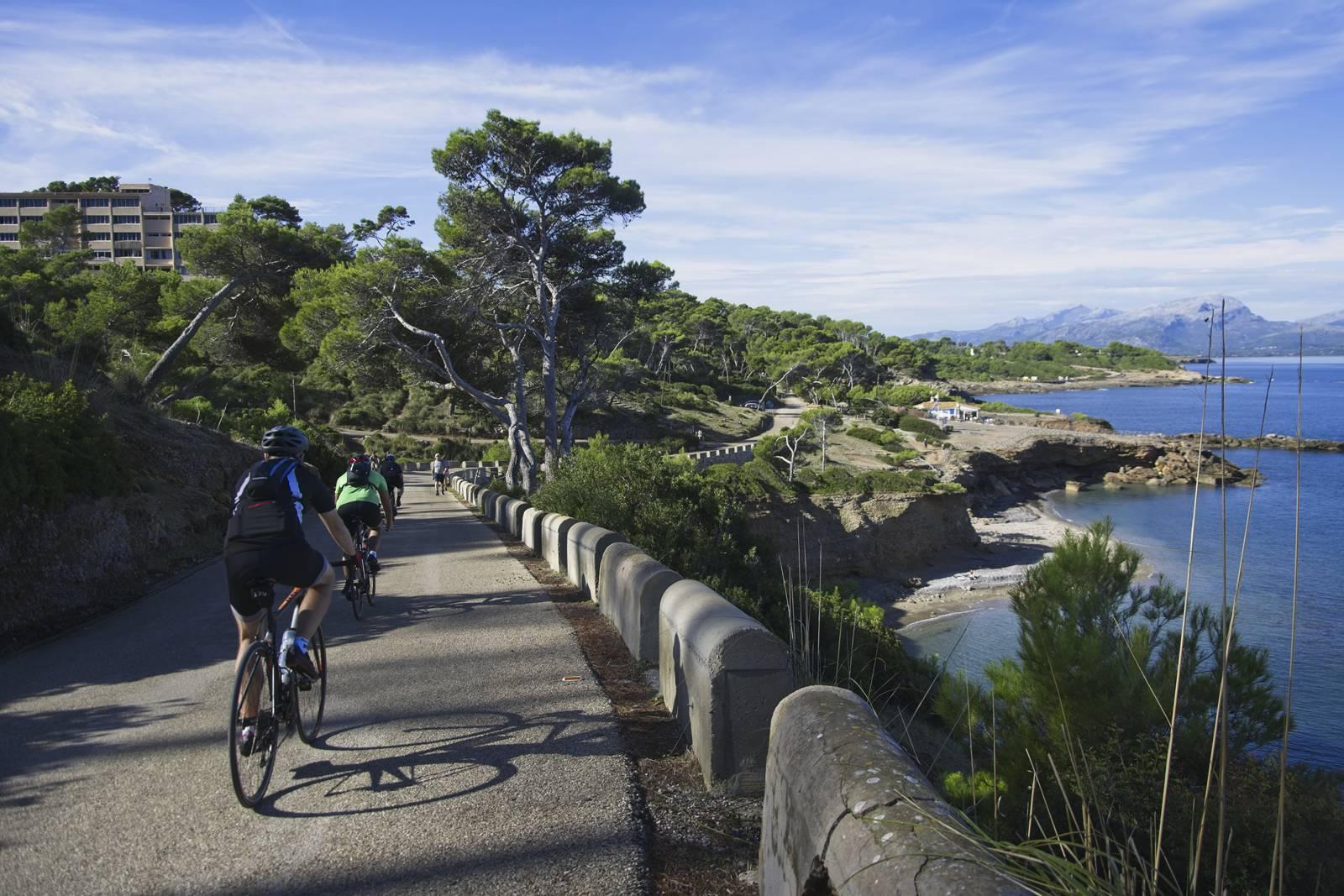 majorka z rowerem alcudia rowerowy wyjazd na majorke trasy rowerowe