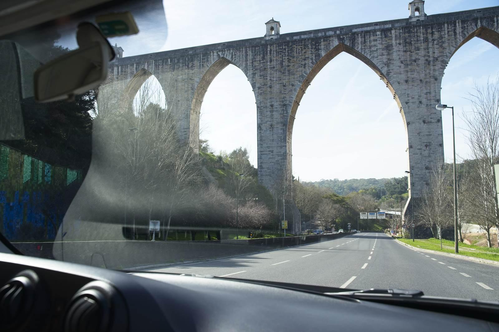 akwedukt lizbona co zobaczyc w lizbonie ciekawe miejsca lizbona atrakcje turystyczne
