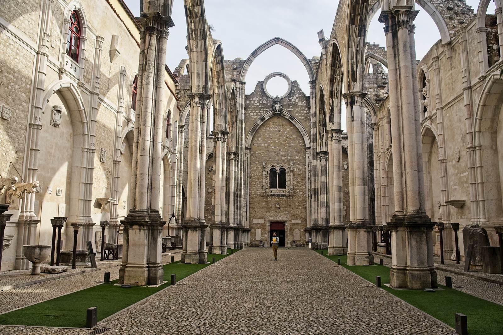 convento do carmo kosciol karmelitow lizbona co zobaczyc w lizbonie