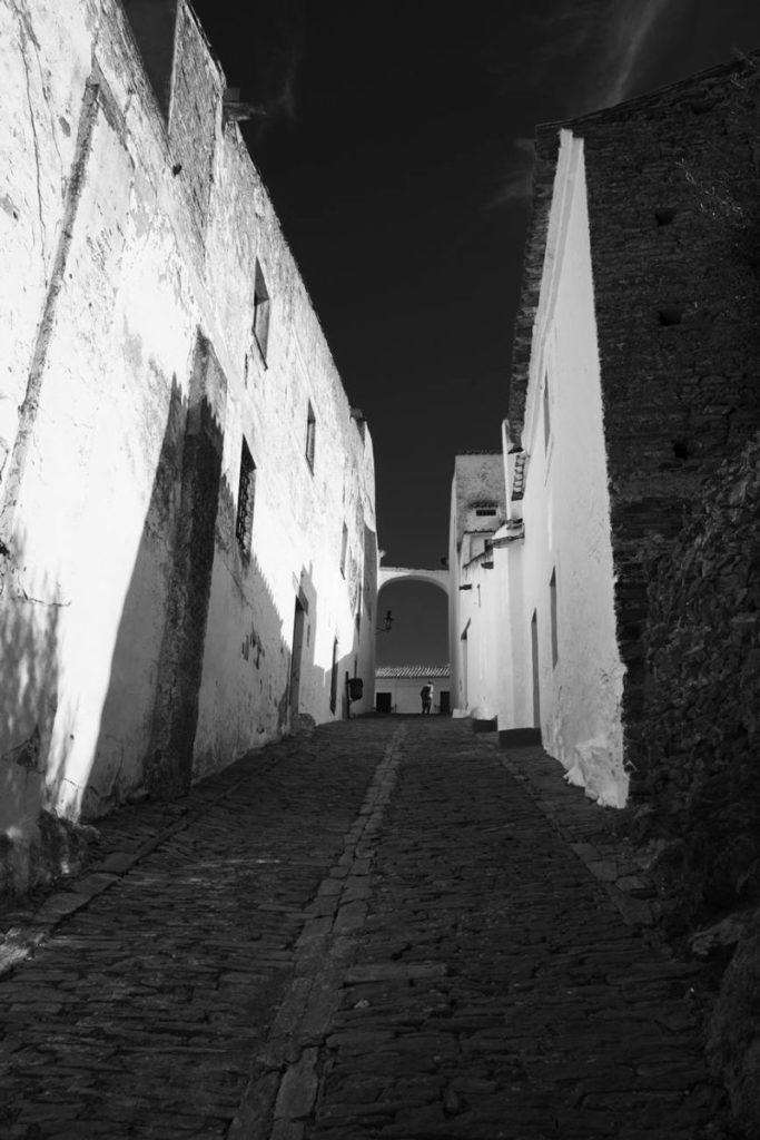 monsaraz uliczki miasta co robic w monsaraz portugalia poza szlakiem alentejo