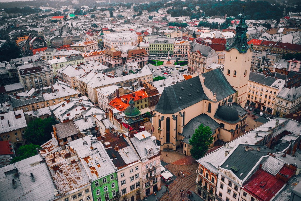 lwów Photo by Andrii Podilnyk on Unsplash