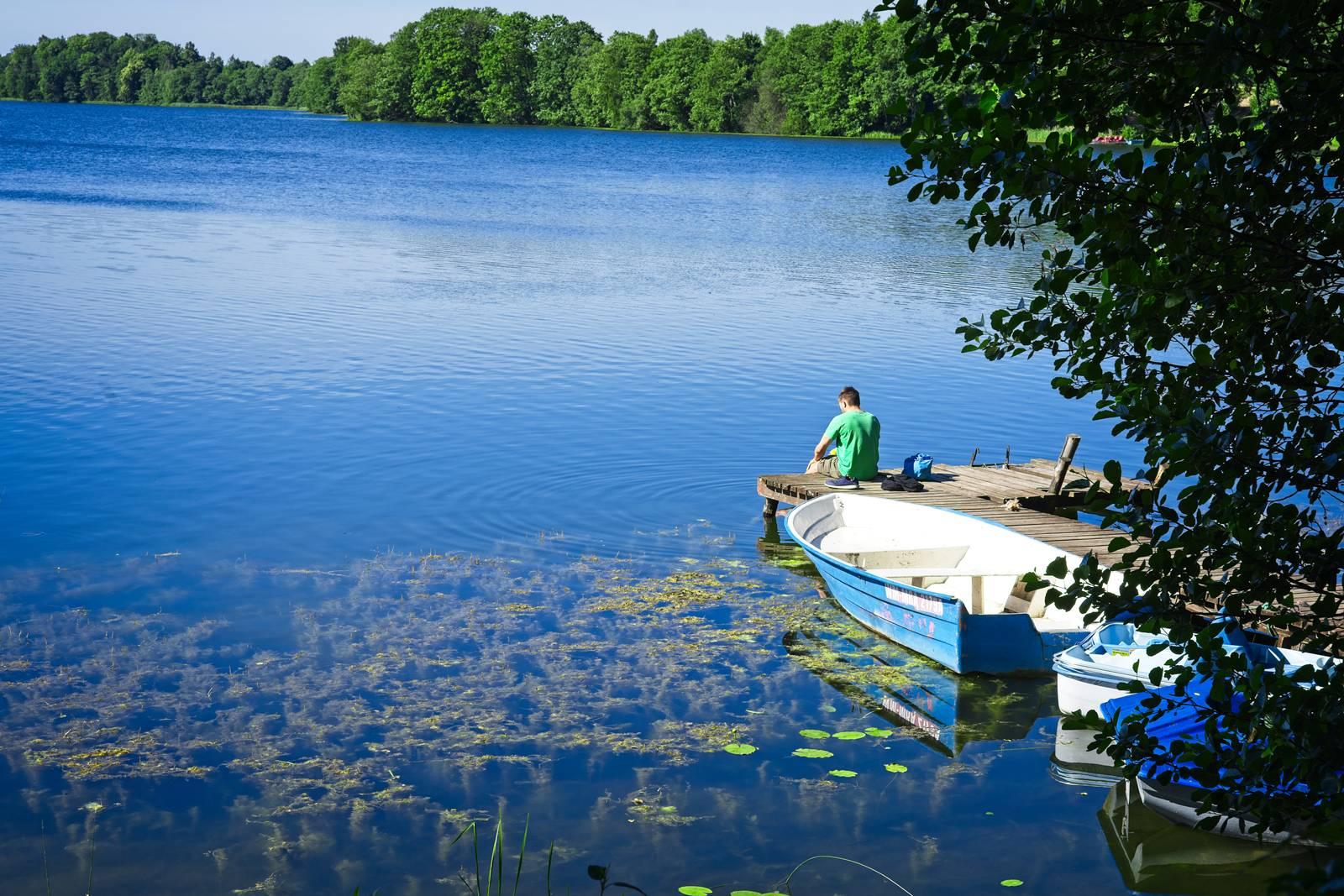 rowerem z olsztyna do gizycka rowerem po mazurach jezioro o poranku