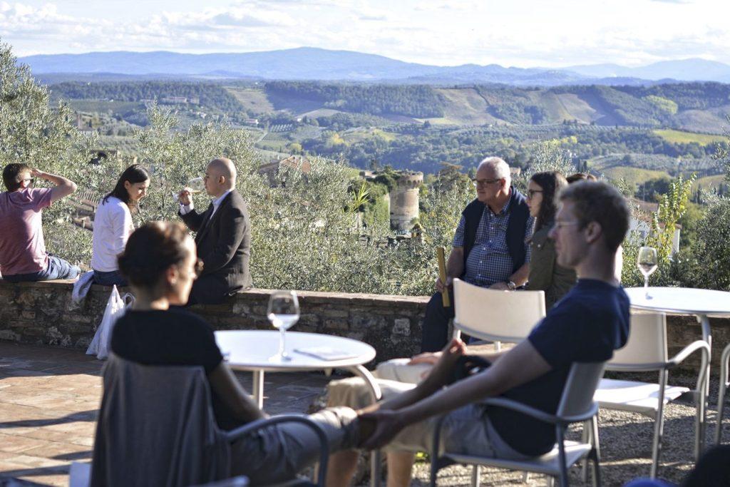 toskania winnice turystyka winiarska enoturystyka regiony winiarskie w europie wkaacje z winem