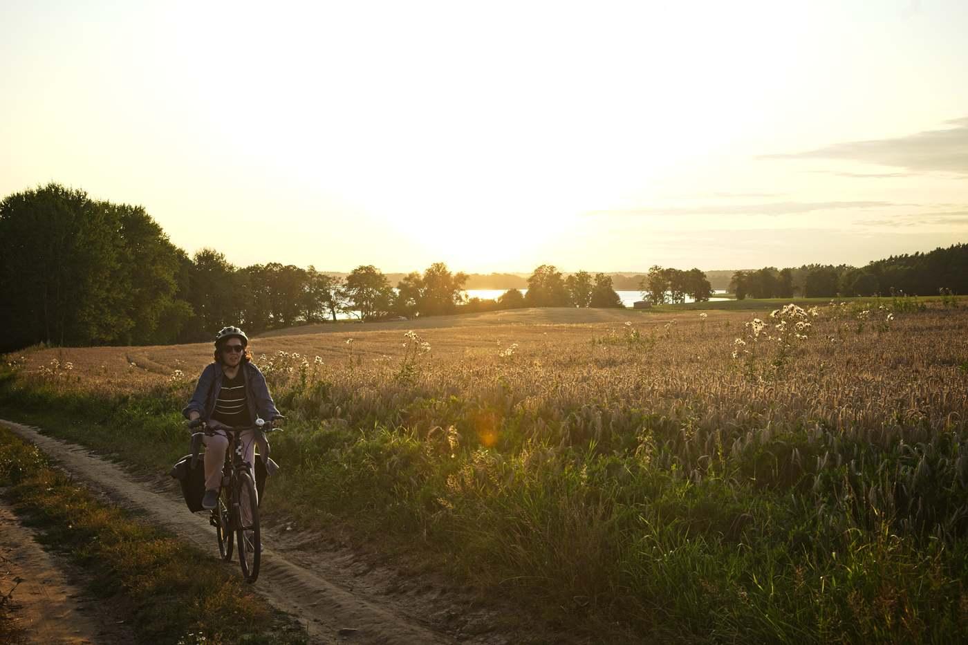 jezioro narie olsztyn ostroda rowerem trasa rowerowa