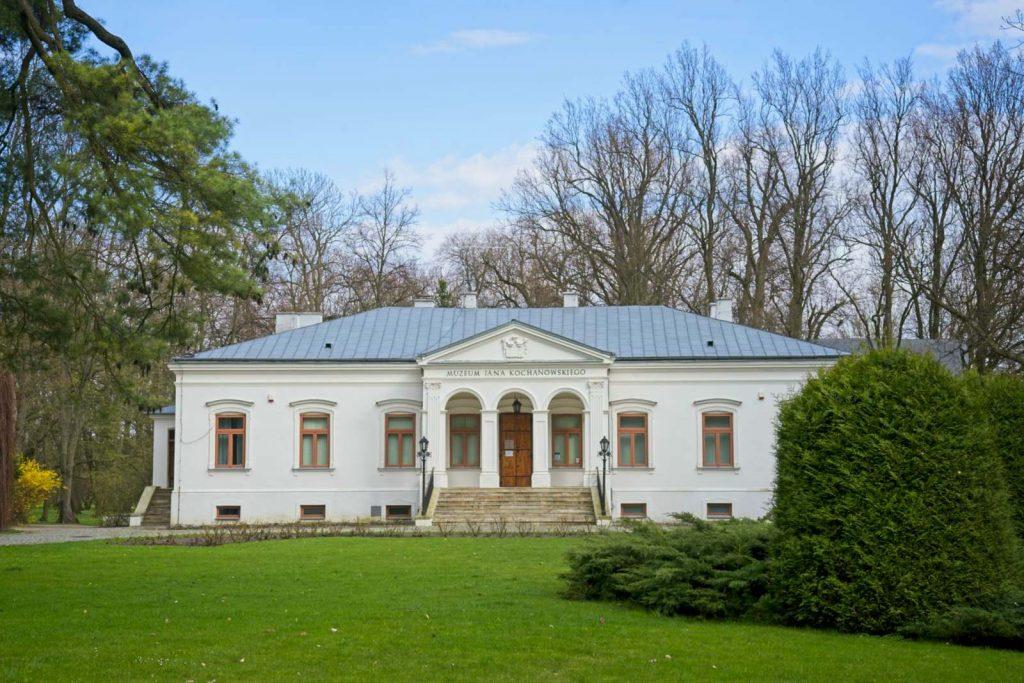 czarnolas muzeum kochanowskiego park w czarnolesie dworek