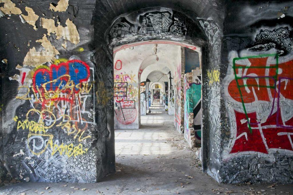 fort bema wnetrze galeria 40/40 street art fort bema